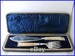 Beautiful Silver Cased Set of Fish Servers with Horn Handles Sheffield 1906