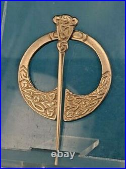 Edinburgh silver Scottish kilt or shawl pin with celtic horn design by T Ebbutt