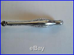 LOVELY ANTIQUE AMERICAN STERLING HANDLED SHOE HORN with ENGRAVED DESIGN