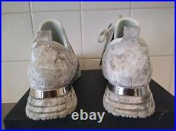 Womens Grey Elast Velvet Trainer UK Size 6. With shoe bag, shoe horn